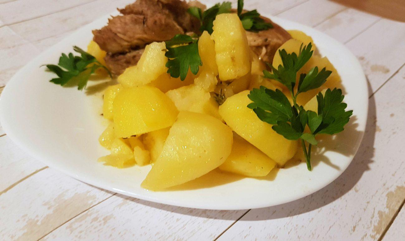 Картофи със свинско месо на фурна