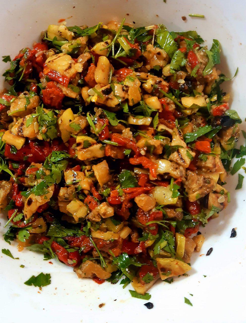 Пъстра салата с печени зеленчуци