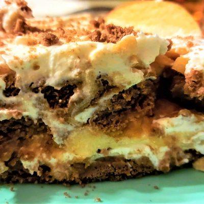 бисквитена торта с маскарпоне и ябълки