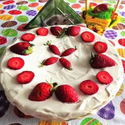 Торта с готови блатове, маскарпоне и течен шоколад